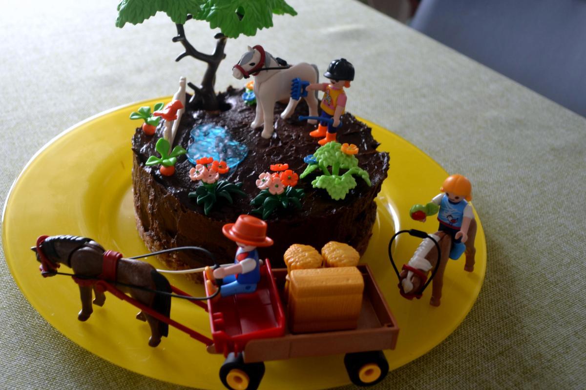 Delicius dairy-free, egg-free, gluten free Birthday cake!!!!!!!!