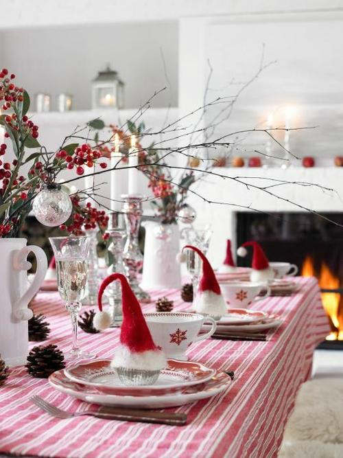 christmas-table-decorations-santa-hats-2014