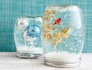 mason_jar_diy_snow_globes_for_christmas