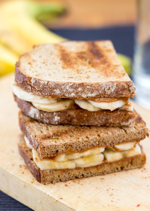 banana-peanut-butter-sandwich