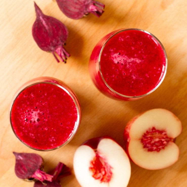 beetroot_-apple-and-berry-smoothie-780x780