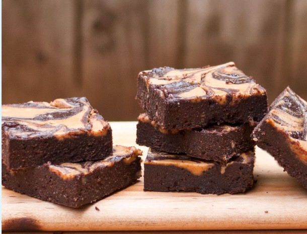 Peanut-Butter-Swirl-Brownies-610x464