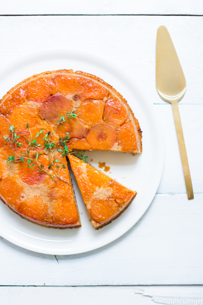 gc3a2teau-renversc3a9-aux-abricots-caramel-et-thym