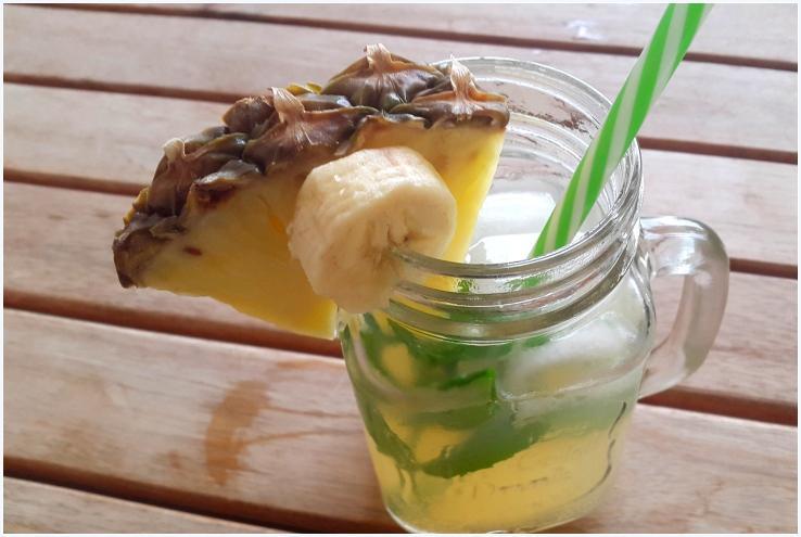 pineapple and banana flavoured water kefir2