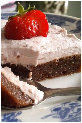 strawberry cream cake1