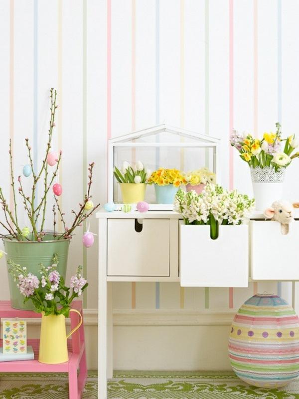 Pâques-idées-de-décoration-dartisanat-décoration-rétro-cru-pâques-cerise-Primrose-fleurs-tulipes-jacinthe