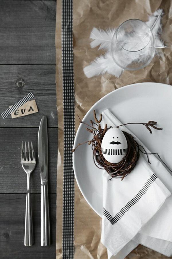 Pâques-idées-de-décoration-doeufs-de-bricoler-puristes-Tischdeko-plume-noire.jpg