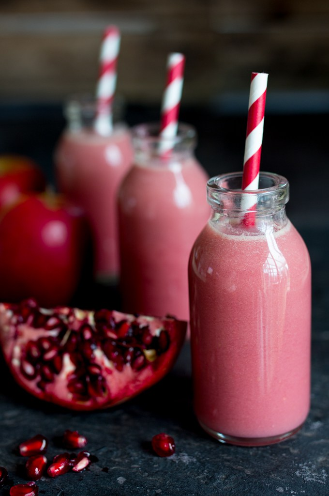 Apple-Elderflower-pomegranate-smoothie